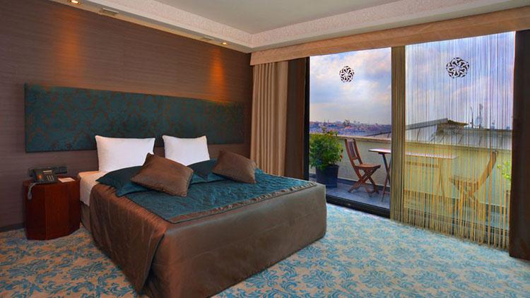 Executive-Room-Balcony1