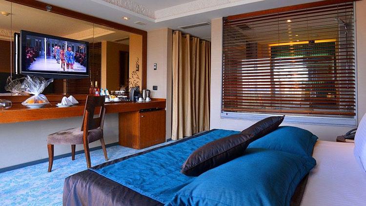 Executive-Room-Balcony8